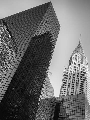 City noir the chrysler building 1