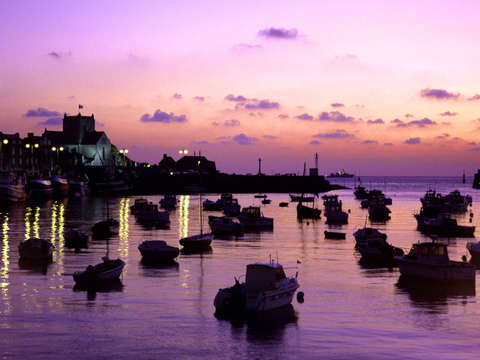 Barfleur harbor sunrise
