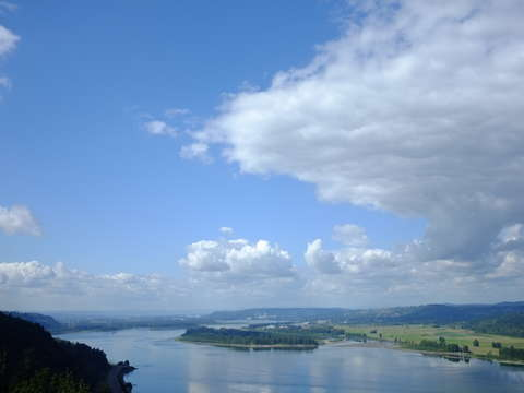 The columbia river from crown point