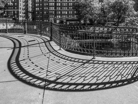 Plaza brush creek circular fence