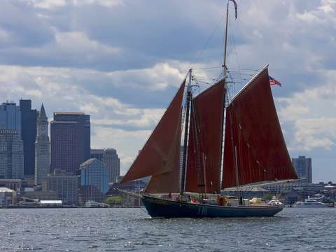 Schooner roseway arrives in boston
