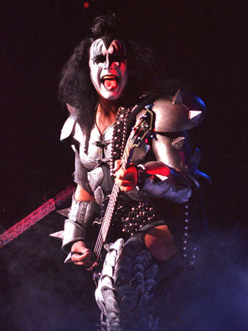 Kiss in boston 4