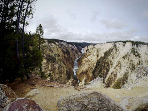 Yellowstone the canyon