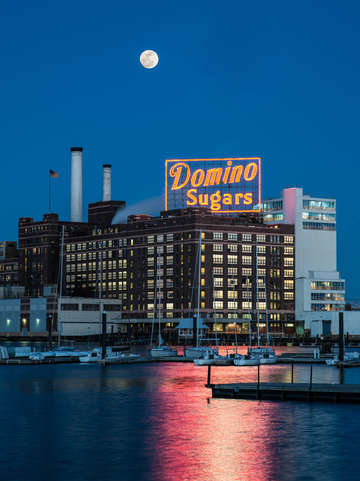 Domino Sugars Moonrise