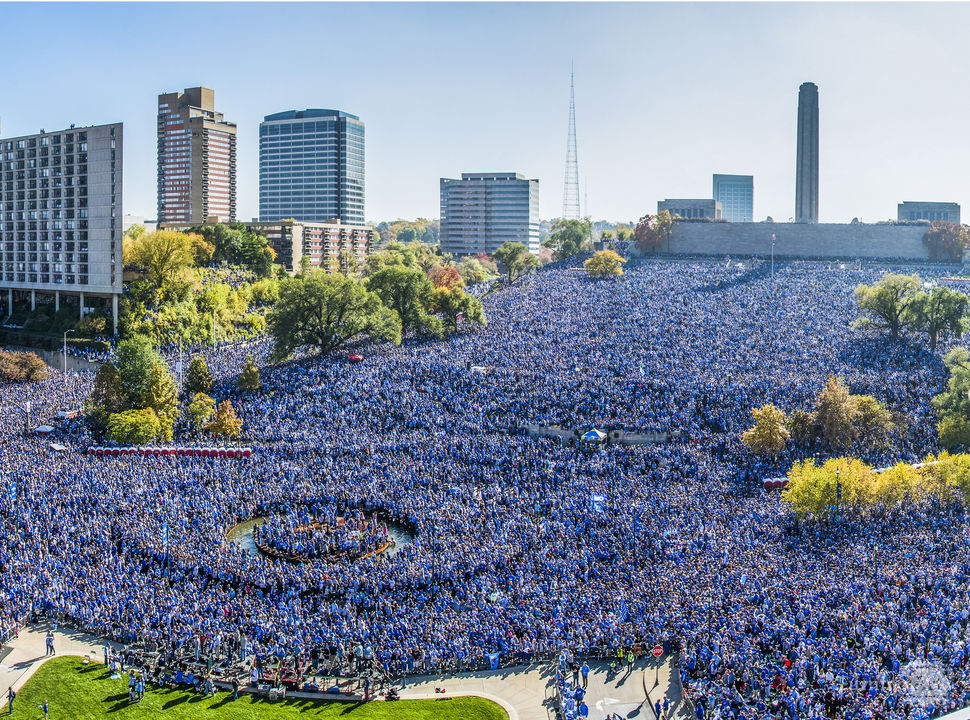 Royals rally group photo