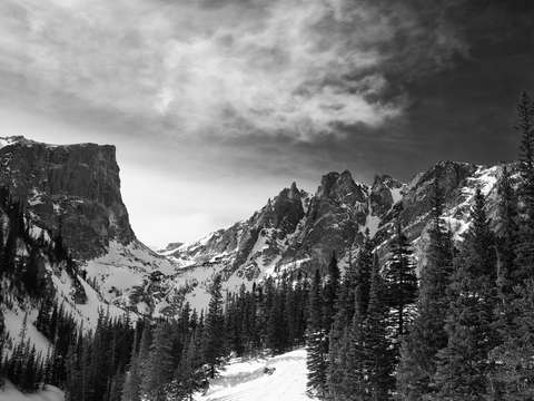 Hallet peak from dream lake