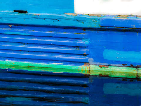 Hull reflections blue 2