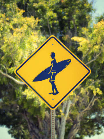 Surfer xing 2