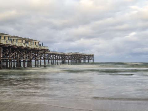 A crystal pier winter
