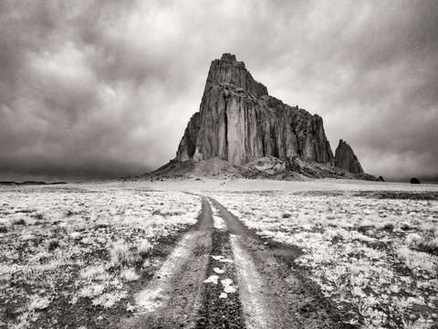 Naat anii n  z the mighty shiprock