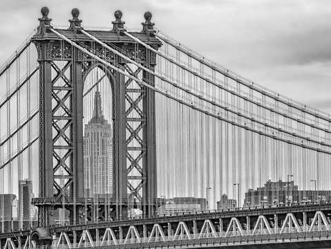 Manhattan bridge frames empire state 8718