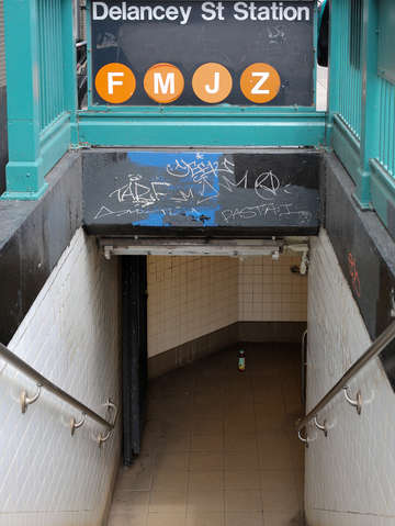 Delancy st station lower east side nyc