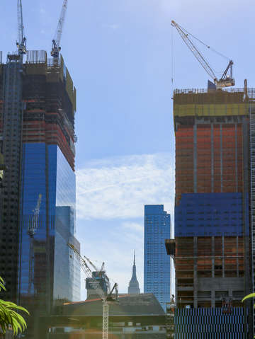 Under construction in chelsea with empire state bu