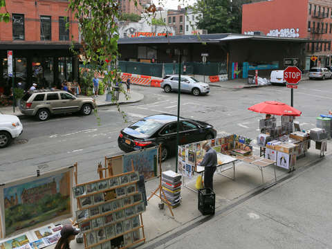 Artists selling on the street chelsea nyc