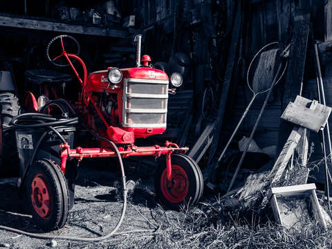 Old red tractor vermont