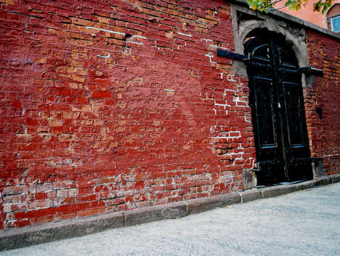 Doors to a church cemetery on mulberry street in n
