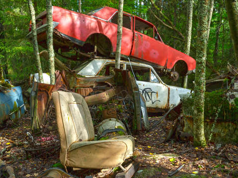 Car cemetery red