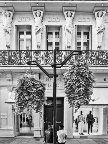 Black white rue dantibes