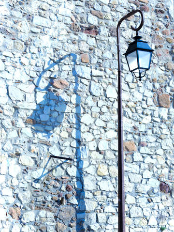 Le suquet lamp shadows