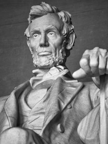 Close up of the statue of abraham lincoln at the l