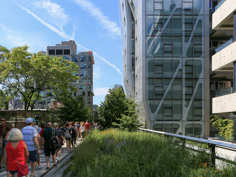 Line on the high line chelsea nyc
