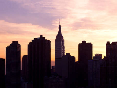 Silhouette of new york skyline