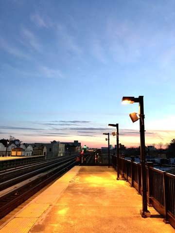 Subway platform in the sunset brooklyn new york 2