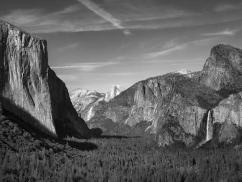 Yosemite tunnel view bw