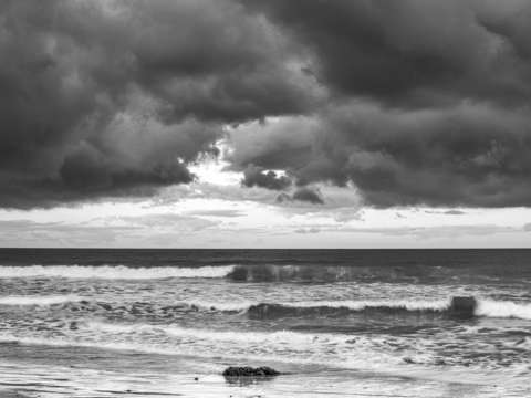 A storm at ponto monochrome