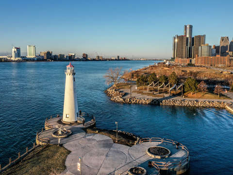 Detroit downtown and lighthouse dji 0178