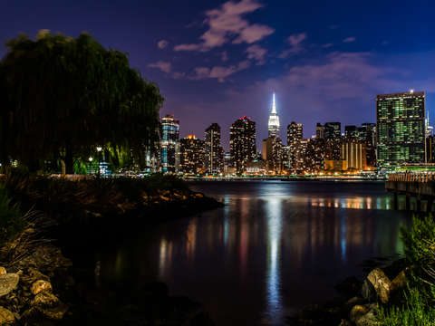 Manhattan skyline at night from long island city