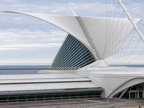 Milwaukee art museum wings