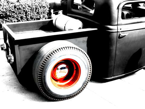 Retro rat rod red rim