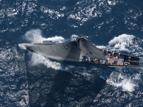 Alinghi sails in 32nd americas cup